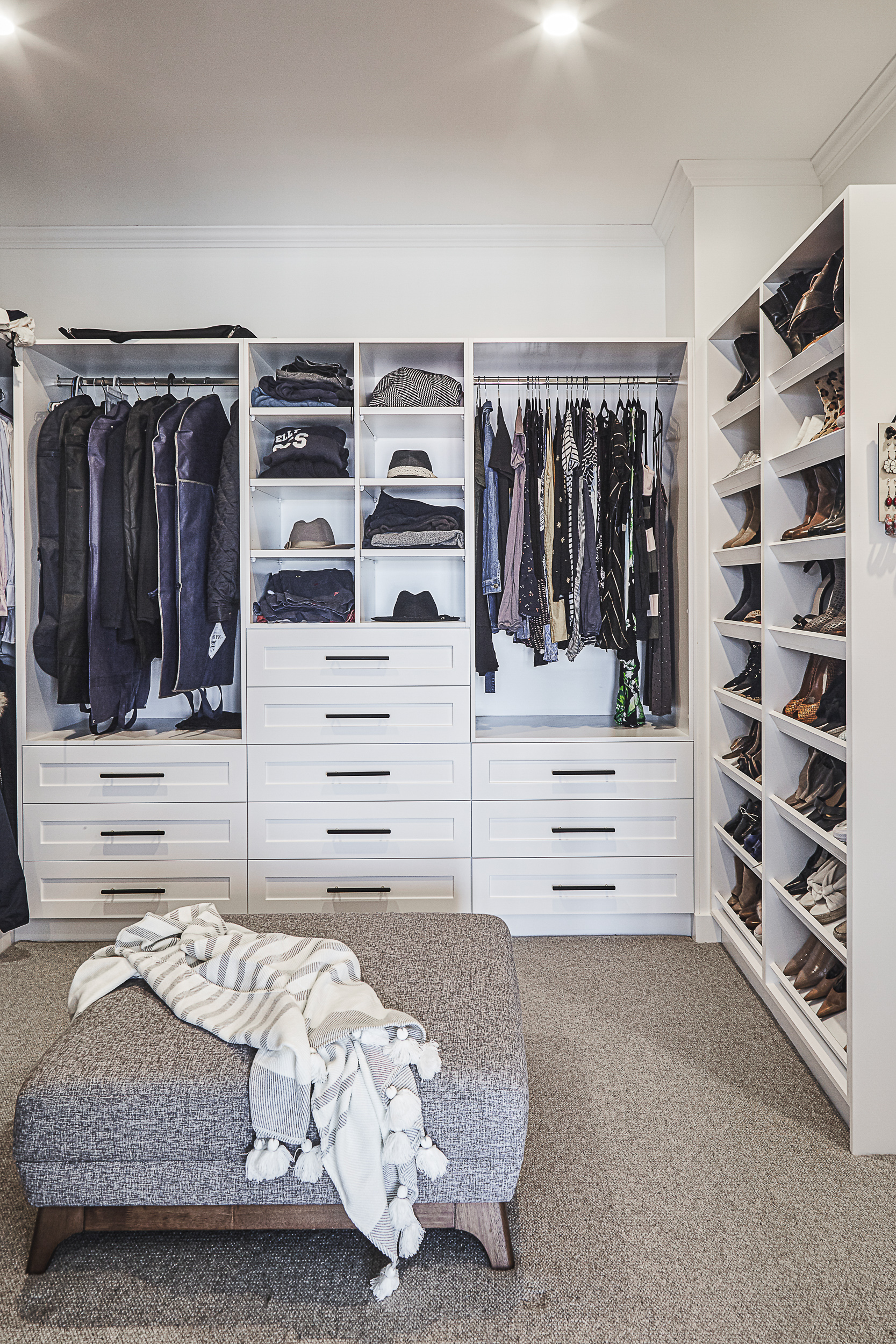 Balnei & Colina walk-in wardrobe