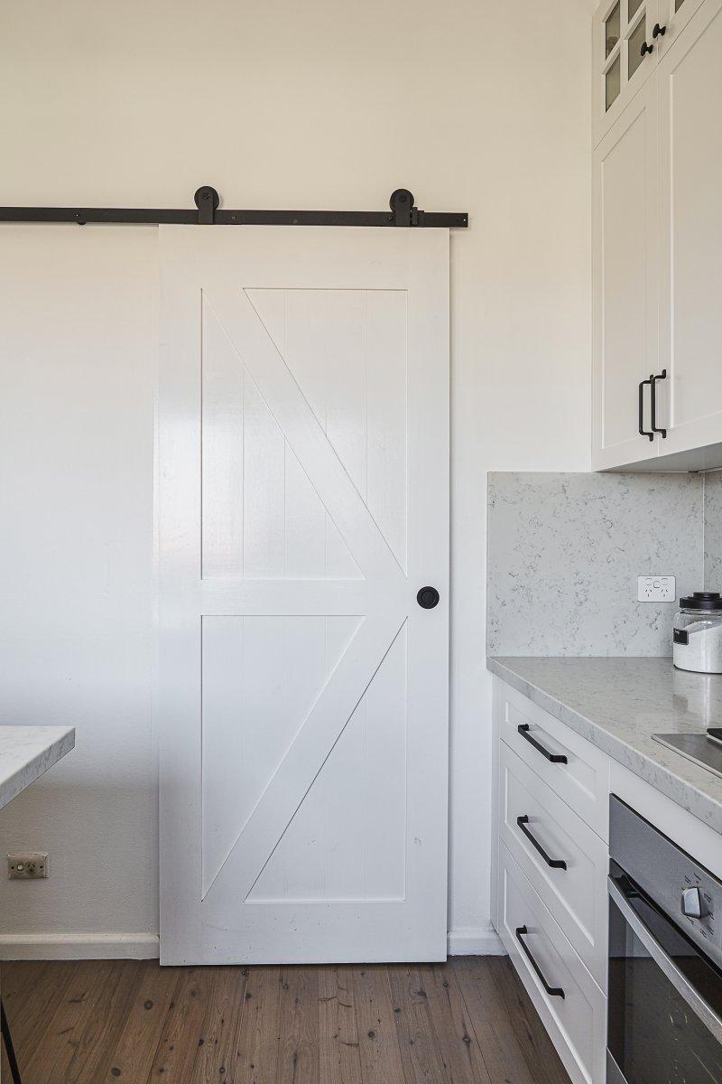 Kitchen butler's barn door