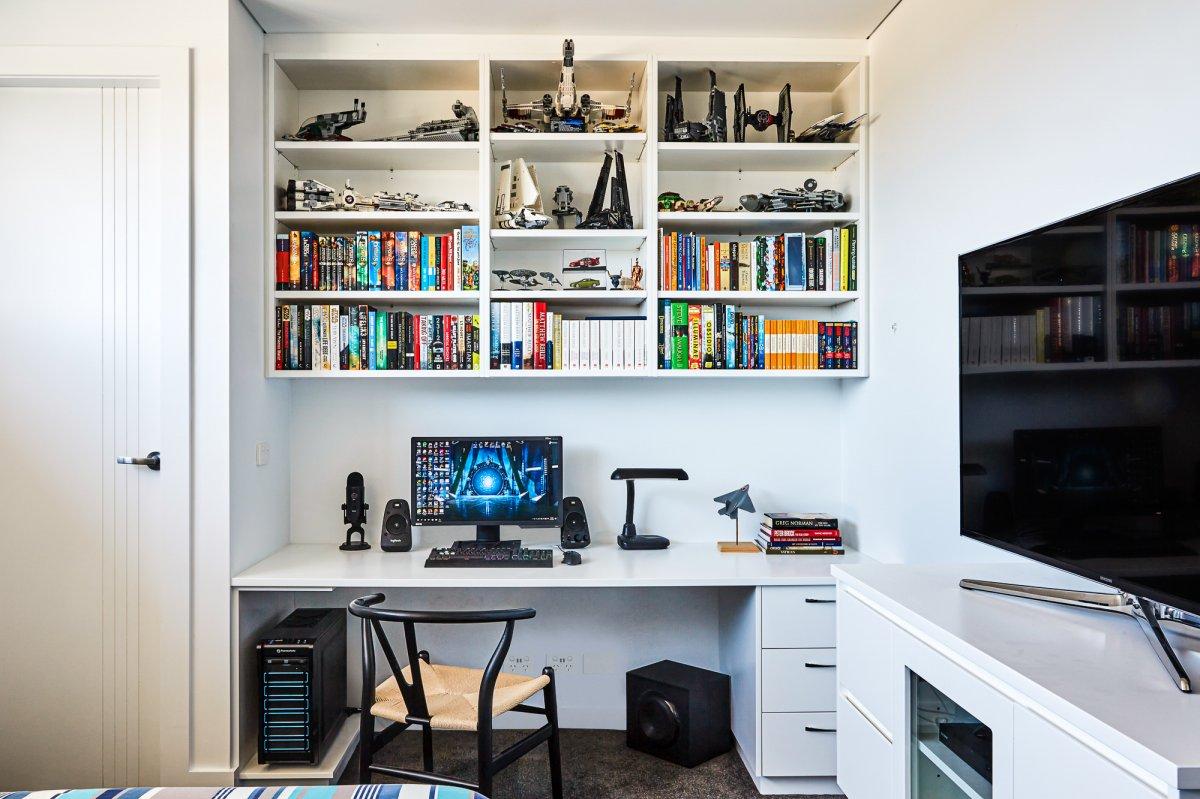 Phillip Bay custom home office